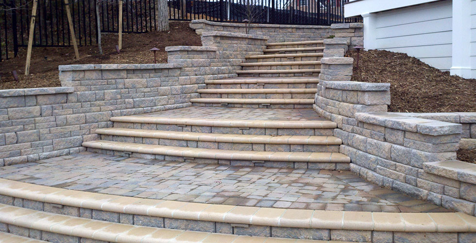 Retaining Wall Block Des Moines : Decorative concrete edging and borders des moines central iowa